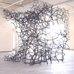 Skulptur: Grenar i Kubik