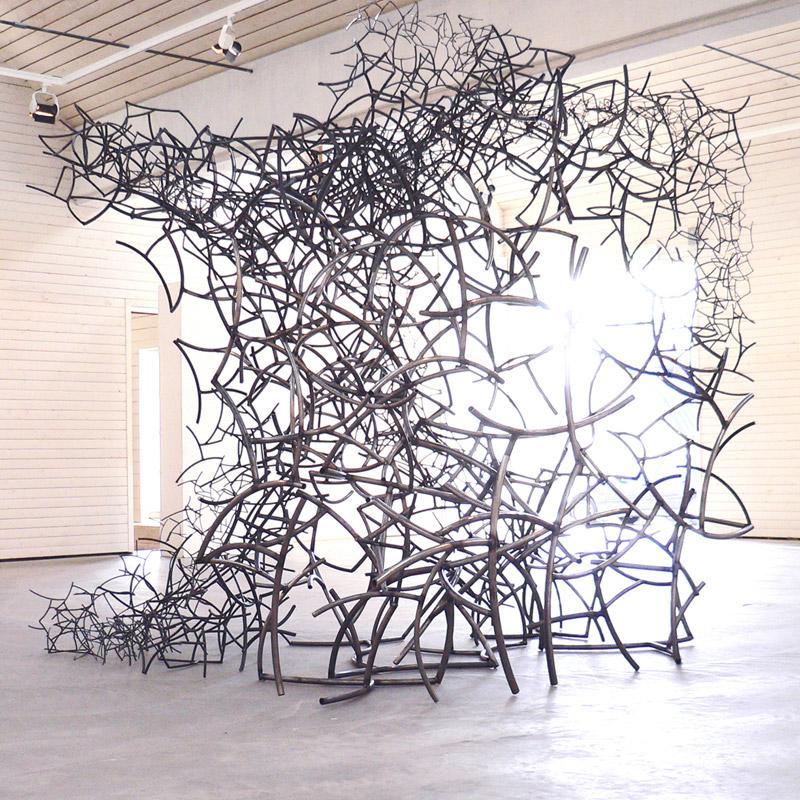 Grenar i kubik, skulptur av Silas Engström