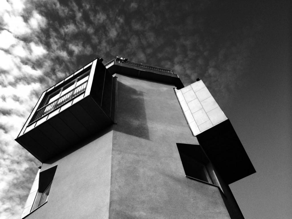 Räcke till helmligt torn. Smide och design av Silas Metallkonst i Uppsala